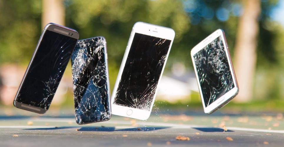 how keep my phone safely