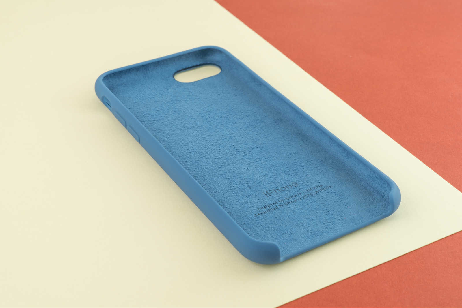The 5 Best iPhone SE 2020 Silicone Case Covers - ESR Blog